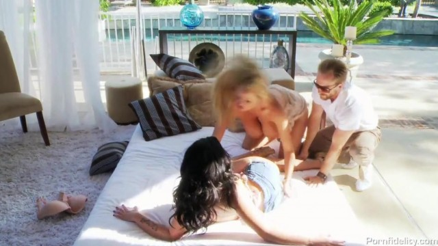 MILF Threesome - Big boobs sluts Video thumb #0