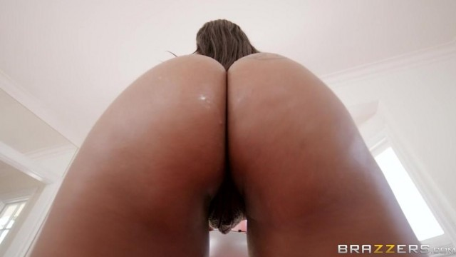 Brazzers - Anal Acrobat Ebony Video thumb #3