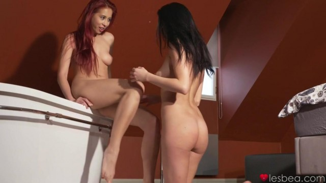 Young Lesbians Pussy Eating Video thumb #11