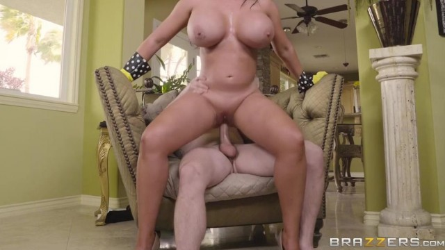 BRAZZERS - Stepmom pussy flash to seduce stepson