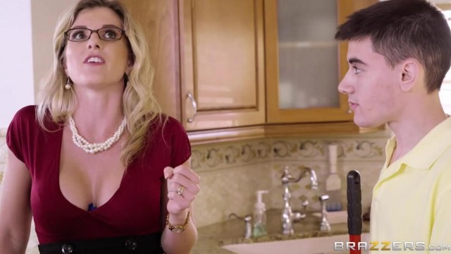 Brazzers - Jordi El Nio Polla fucks Stepmom Video thumb #2