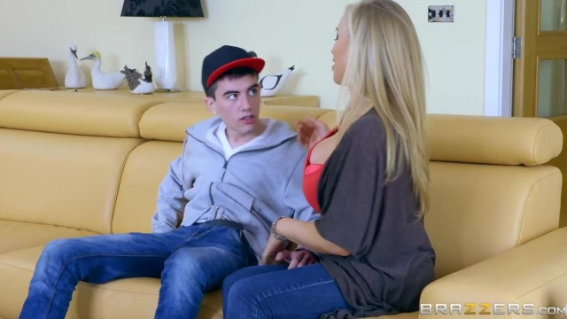 Brazzers - Big tits stepmom Rebecca Moore gets anal from stepson Jordi El Nino