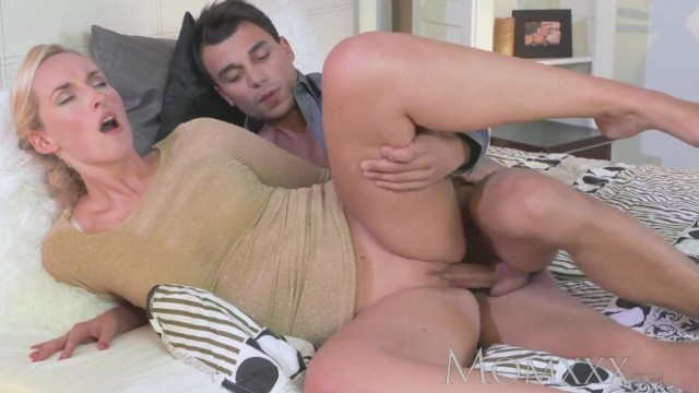 MOMXXX COM - Blonde MILF seduces young boy Video thumb #15