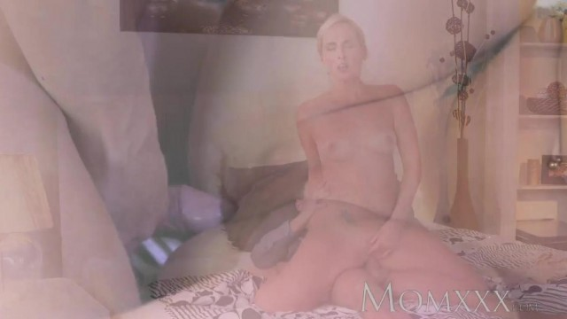 MOMXXX COM - Blonde MILF seduces young boy Video thumb #17