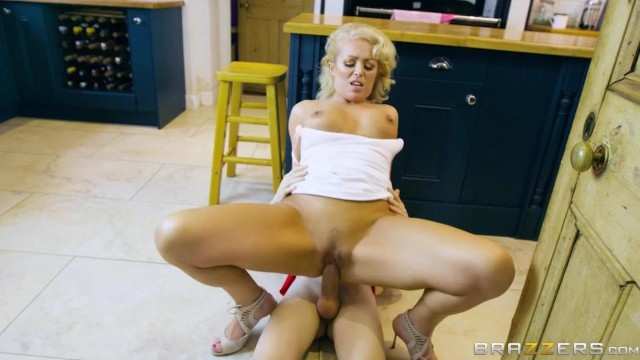 Rebecca Jane Smyth is an amazing MILF Video thumb #8