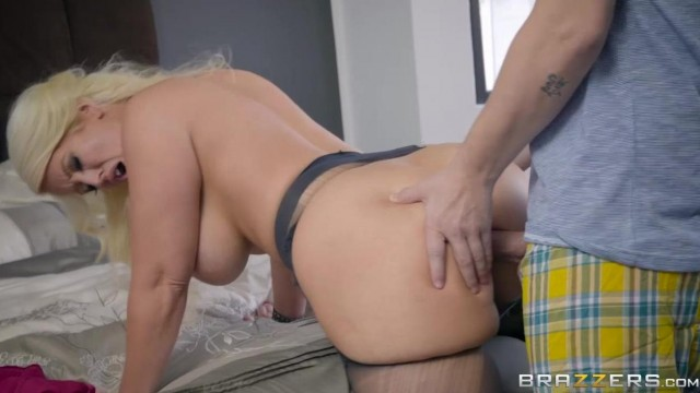 Brazzers Stepmom pounded by younger man Video thumb #4
