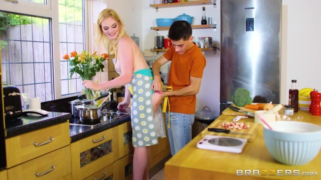 Jordi El Nino fucks his blonde Stepmom Carly Rae in the kitchen Video thumb #2