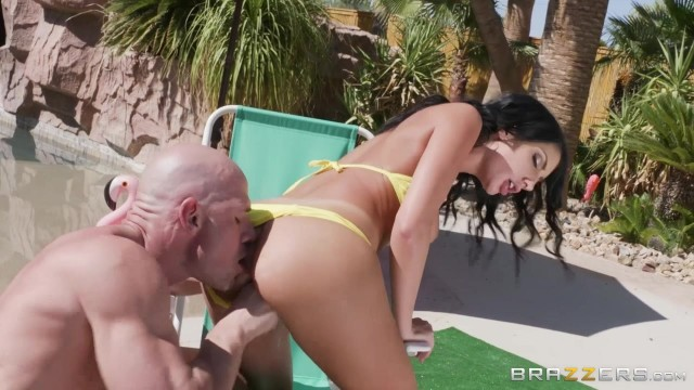 August Ames rides Johnny Sins' fat dick Video thumb #5