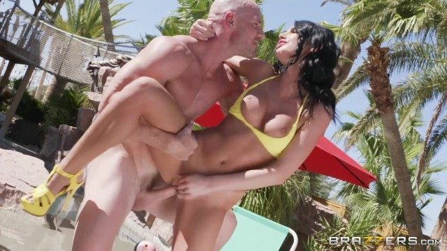August Ames rides Johnny Sins' fat dick Video thumb #6