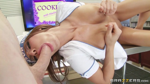 Madison Ivy Gives the best blowjob for Brazzers Video thumb #4