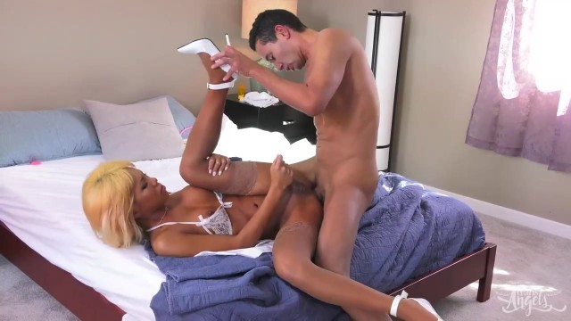 Free tranny porn - Nurse Miran know how to heal you Video thumb #8