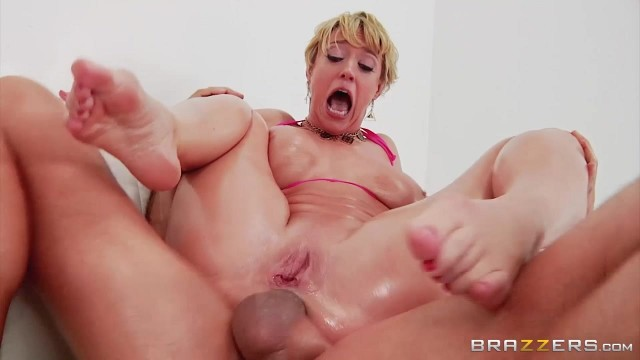 Short-Haired Mature Slut Gags On Thick Rod Before Anal Video thumb #14