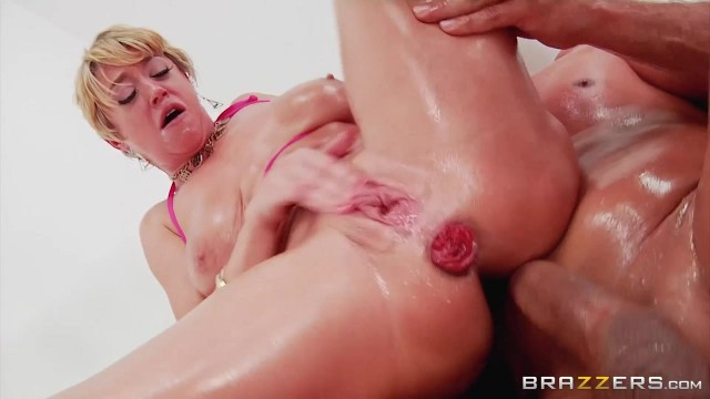 Short-Haired Mature Slut Gags On Thick Rod Before Anal