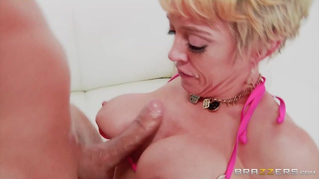 Short-Haired Mature Slut Gags On Thick Rod Before Anal Video thumb #3