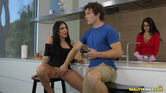 Jaclyn Taylor seduces Lacie James's son in the kitchen Video thumb #8
