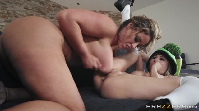 Eva Notty and Carolina Sweets - Pot O' Dongs - Brazzers 2018 Video thumb #12