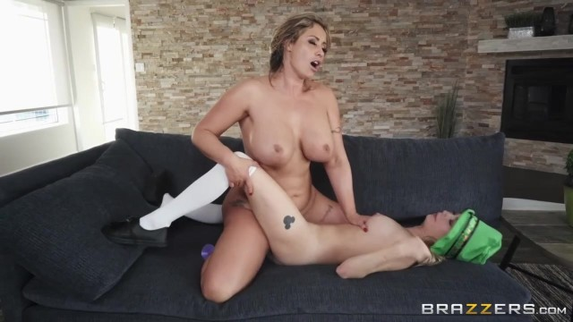 Eva Notty and Carolina Sweets - Pot O' Dongs - Brazzers 2018 Video thumb #4