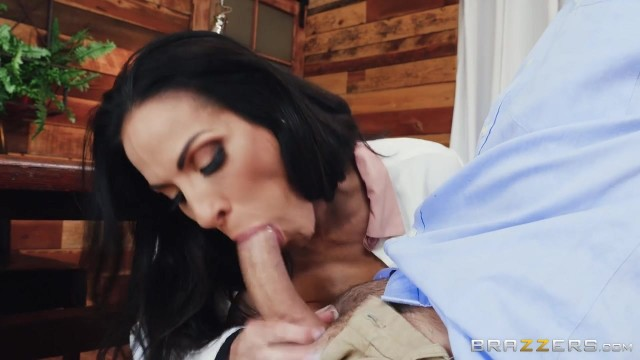 Veronica Rayne - Brunette MILF destroyed by massive cock Video thumb #6
