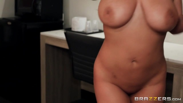 Angela White fucked by keiran lee with pulled up legs Video thumb #4