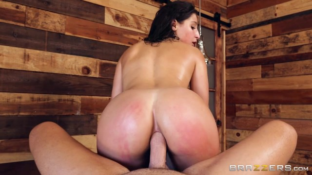 Abella Danger takes it in the ass from the masseur Video thumb #15