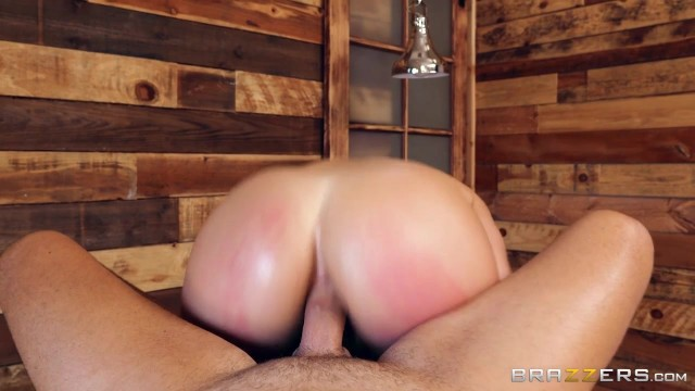 Abella Danger takes it in the ass from the masseur Video thumb #17