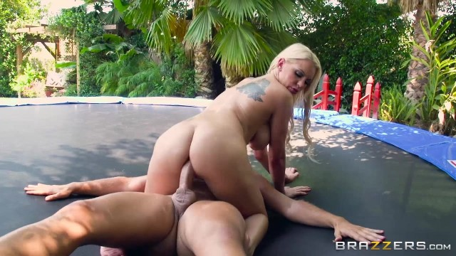 Kenzie Taylor enjoys anal sex outdoor Video thumb #17