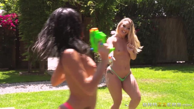 Brazzers Squirting Threesome Orgy outdoor Video thumb #0