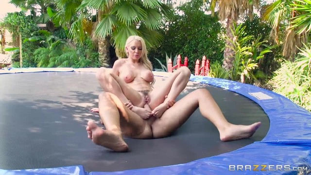 Kenzie Taylor doing anal on the trampoline Video thumb #18
