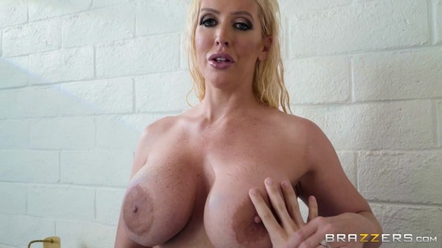 BBW StepMom Alura Jenson Sucks Jordi's cock Video thumb #0