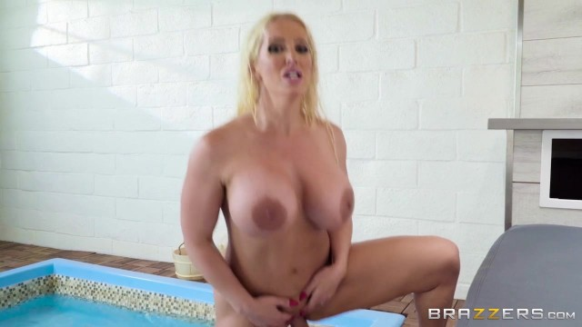 BBW StepMom Alura Jenson Sucks Jordi's cock Video thumb #18