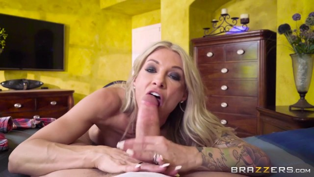 Synthia Fixx - Photo Finish On My Tits