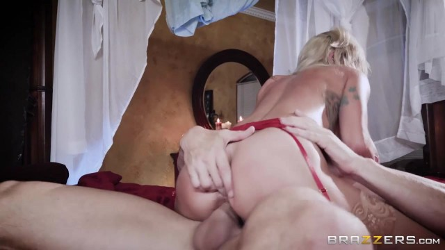Brazzers - Johnny Sins fucks Sammie Six Video thumb #12