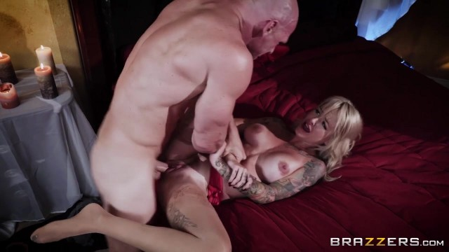 Brazzers - Johnny Sins fucks Sammie Six Video thumb #2