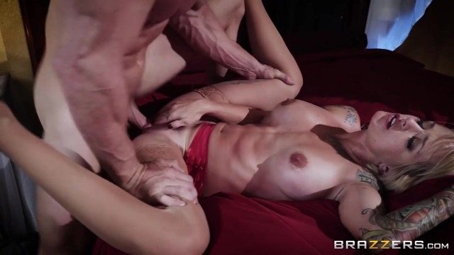 Brazzers - Johnny Sins fucks Sammie Six