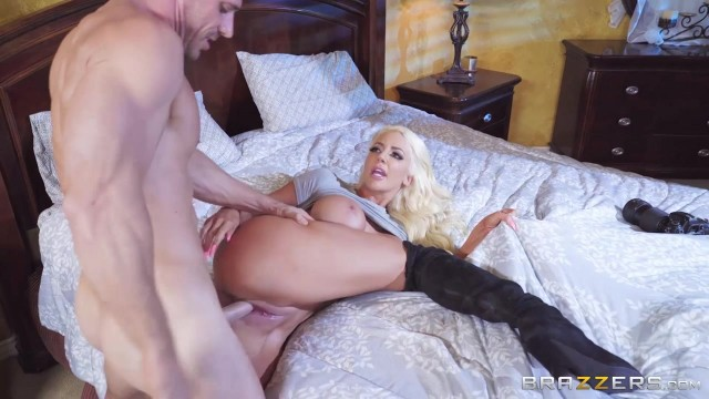 Muscular Johnny Sins bangs Nicolette Shea hot pussy Video thumb #4