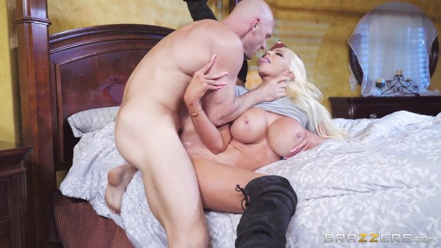 Muscular Johnny Sins bangs Nicolette Shea hot pussy Video thumb #7