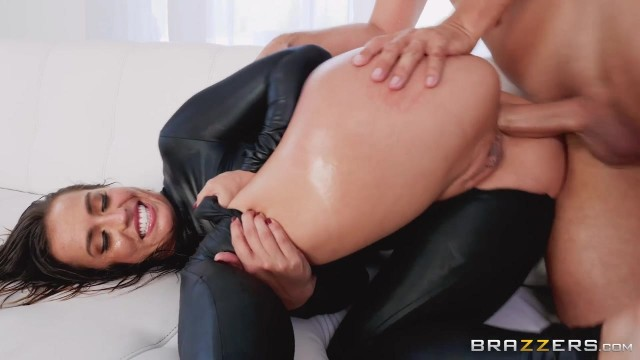 Keiran Lee fucks Kelsi Monroe in the ass with his 10 incher Video thumb #11