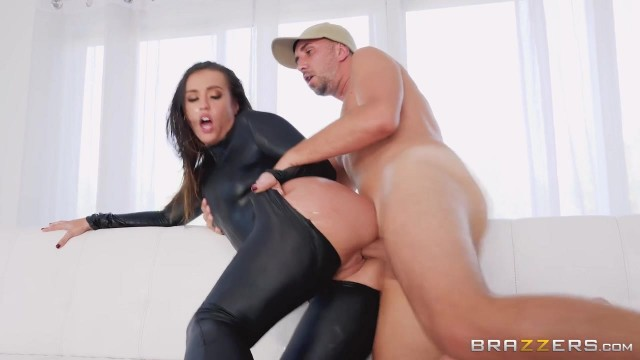 Keiran Lee fucks Kelsi Monroe in the ass with his 10 incher Video thumb #6