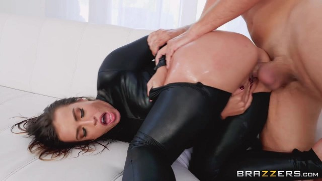 Keiran Lee fucks Kelsi Monroe in the ass with his 10 incher Video thumb #7