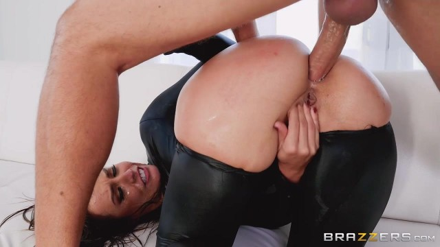 Keiran Lee fucks Kelsi Monroe in the ass with his 10 incher Video thumb #8