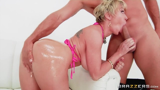 Bootylicious Mature Dee Williams Ass Fingered And Sodomized Video thumb #3