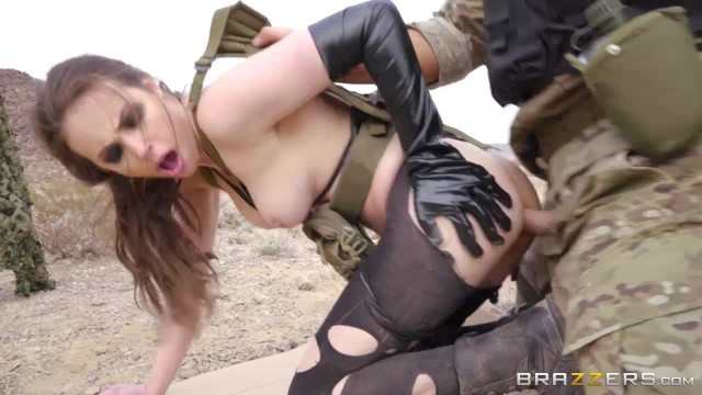 Charles Dera Porn - Soldier of fortune Casey Calvert fucked in the ass