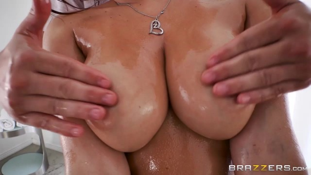 Keisha Grey gets nude and oiled for dirty massage Video thumb #7