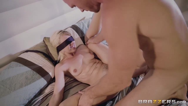 Blindfolded petite Eliza Jane fingered and pussy stretched by big dick Video thumb #5