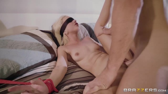 Blindfolded petite Eliza Jane fingered and pussy stretched by big dick Video thumb #8