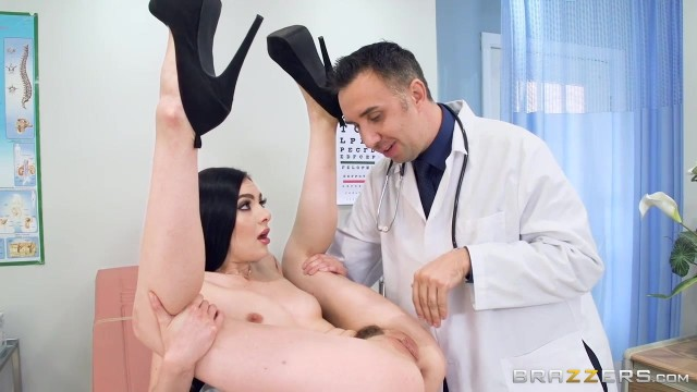 Dirty doctor Keiran Lee gives Marley Brinx full pussy examination