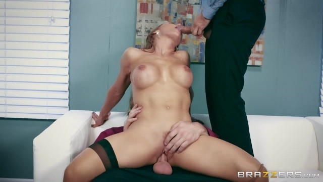 Busty Nicole Aniston MILF handles two big cocks in threesome porn video Video thumb #2