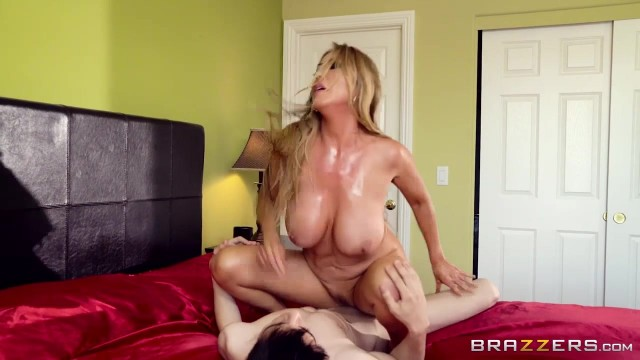 Busty Kianna Dior rapes young skinny boy Jordi el nino polla Video thumb #7