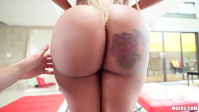 Moriah Mills knows how to use her big black booty Video thumb #1