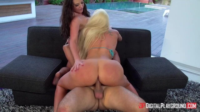 Sexy car wash with a blonde and brunette bimbos Video thumb #11